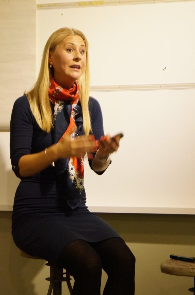 Linda Hölling, chef för butiken Oriflame Concept Store