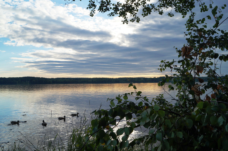 Sjö och himmel. Foto: Anneli Uusitalo Vackert.Nu